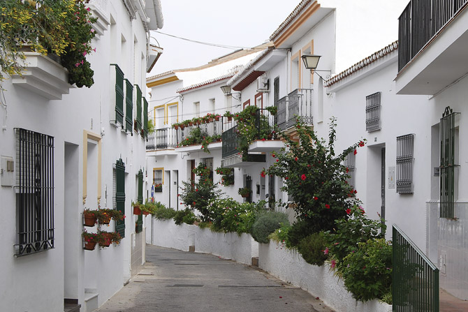 Renting a House in Almunecar, Spain