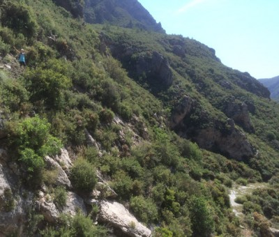 hiking in otivar