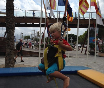 Isla jumping.
